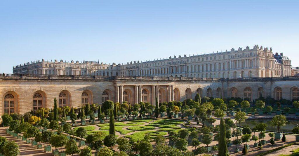 Image of versailles palace.